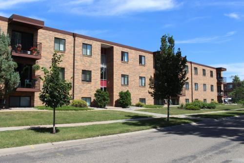 401 30th Avenue N Photo 1