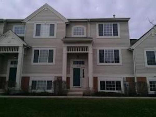 546 Cary Woods Circle #TOWNHOUSE Photo 1