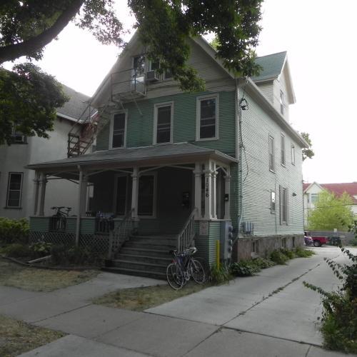 1046 Jenifer Street Photo 1