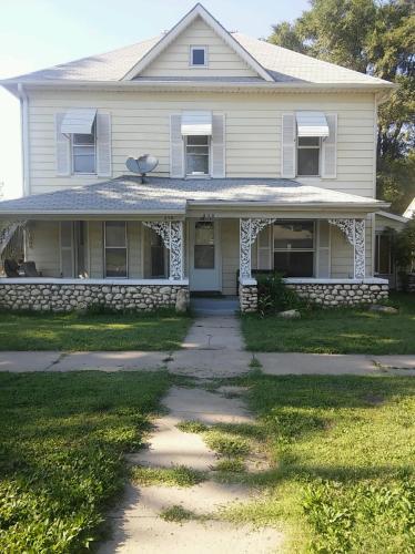 210 W 13th Street Photo 1
