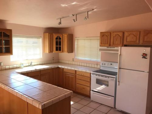 1402 W San Lucas Drive #GUEST HOUSE Photo 1
