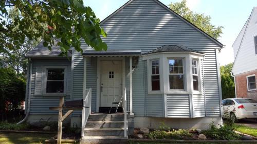 21540 Olmstead Street Photo 1