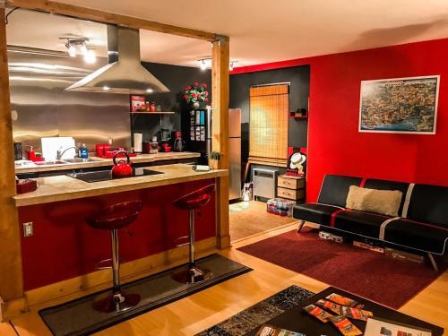 525 W 3rd Avenue Photo 1