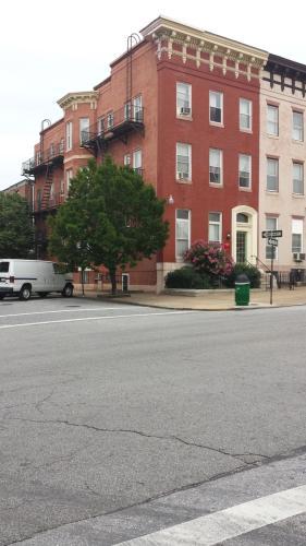 2200 Maryland Avenue #B3 Photo 1