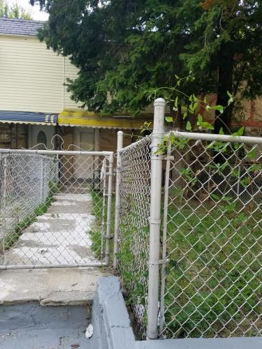 4906 Pembridge Avenue #TOWNHOUSE Photo 1