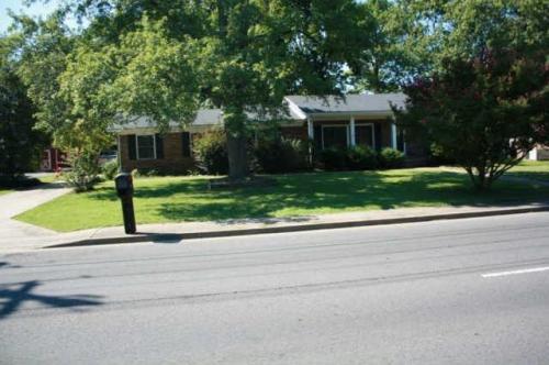 210 E Northfield Boulevard Photo 1