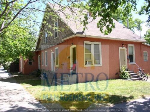 302 N Straughan Ave Photo 1