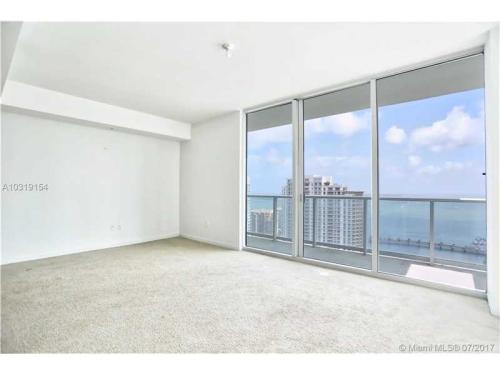 300 S Biscayne Blvd Photo 1
