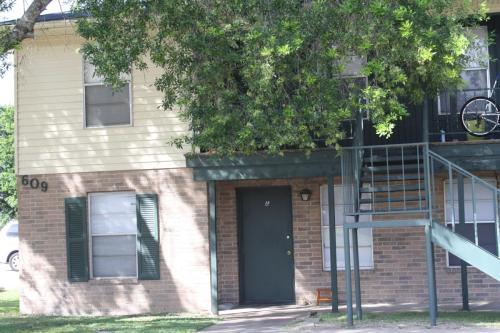 609 Turner Street Photo 1