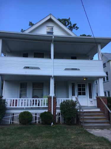 1524 Winton Avenue #DOWN Photo 1