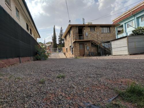 1708 Arizona Avenue Photo 1