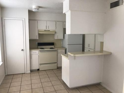 2613 E Cesar Chavez Street #STUDIO Photo 1