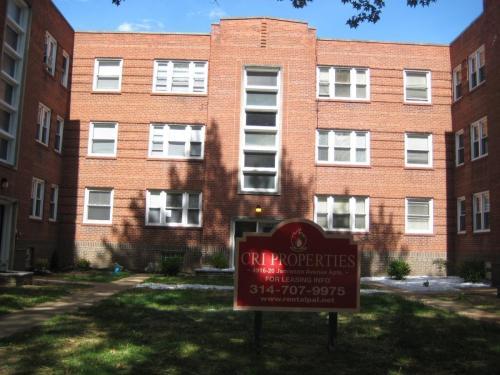 4918 Jamieson Avenue #1ST FLOOR Photo 1