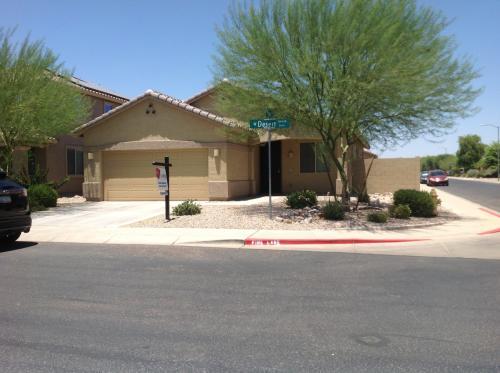 12104 W Desert Lane Photo 1