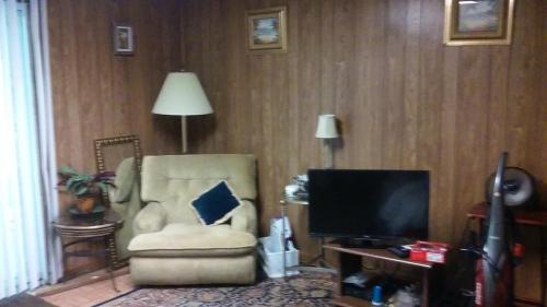 2399 Brenda Drive SE Photo 1