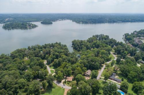 562 Indian Lake Rd Photo 1