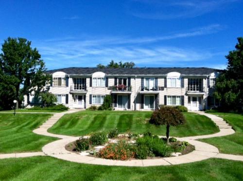 100 W Hickory Grove #E Photo 1