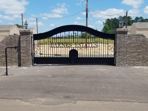 408 Restland Cemetery Road Photo 1