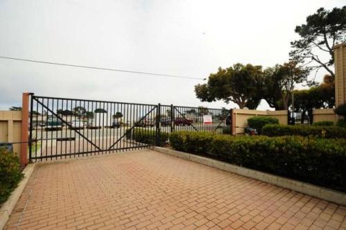 3095 Marina Drive Photo 1