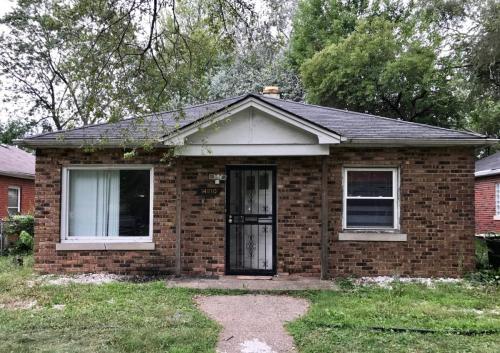 14810 Oak Street Photo 1