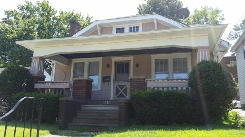 1632 Roosevelt Avenue Photo 1
