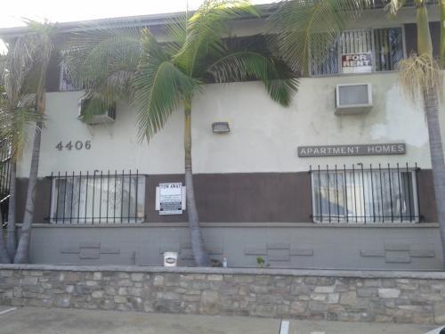 4406 Menlo Ave Photo 1