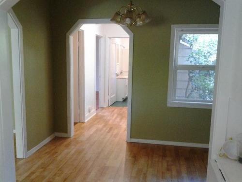 7707 SW Pine Street Photo 1