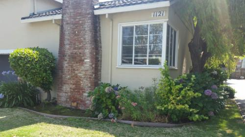 1121 Paloma Ave #1 Photo 1
