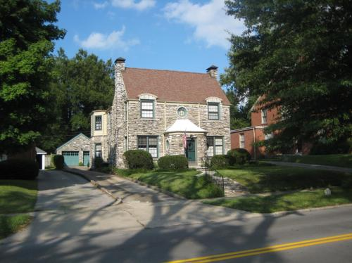 1501 Fontaine Rd #B Photo 1