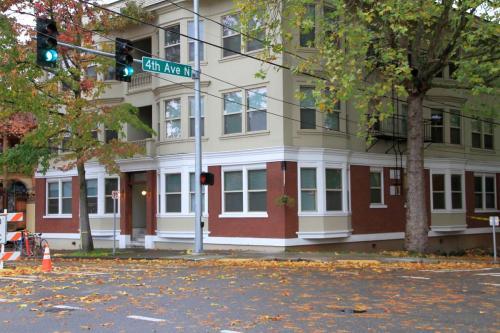 403 Roy Street Photo 1
