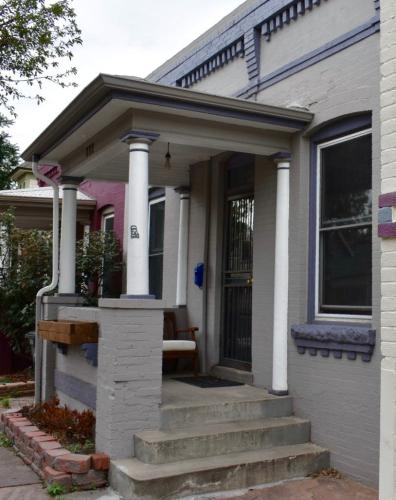 233 Cherokee Street Photo 1