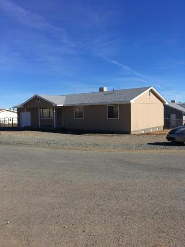 3201 N Castle Drive Photo 1