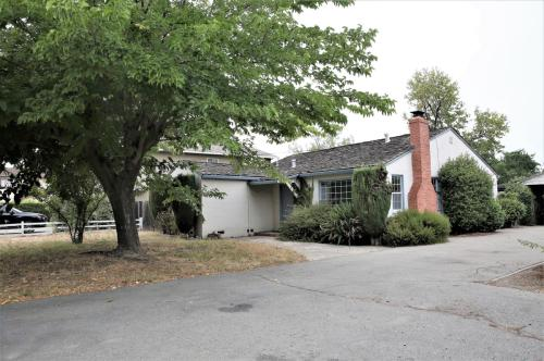 1445 Westmont Ave Photo 1
