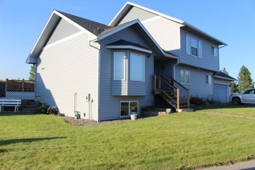 1541 Ridgeview Drive Photo 1