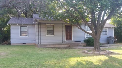 30 NW 29th St Photo 1