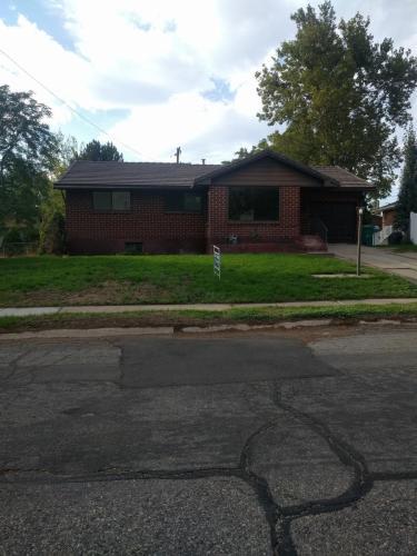 131 N Dixie Avenue Photo 1