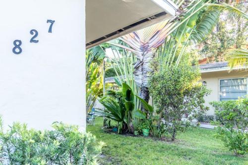 827 SW 30th Street #1 Photo 1