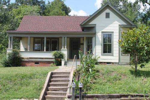 207 Calhoun Street Photo 1