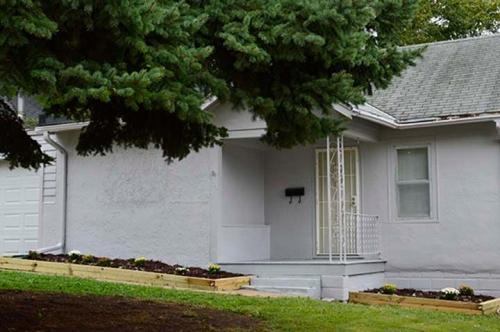 6113 Spaulding Street Photo 1