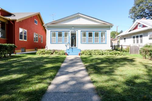4144 Pleasant Ave Photo 1