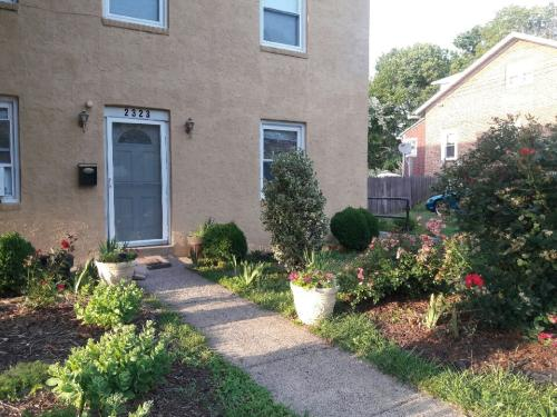 2323 Parkview Ave #1 Photo 1