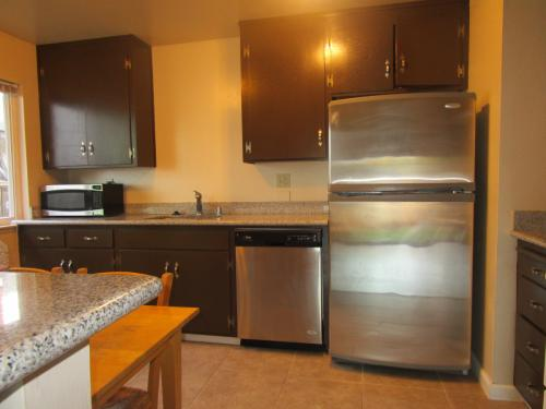 877 Miller Ave #1 Photo 1