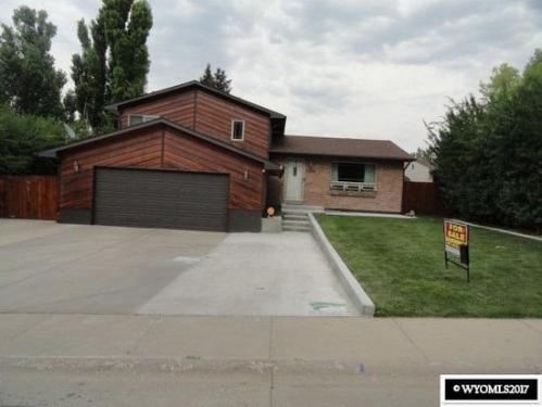 1230 Midwest Dr Photo 1
