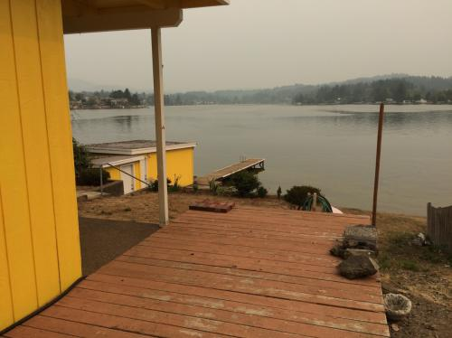 2864 NE Lake Dr Photo 1