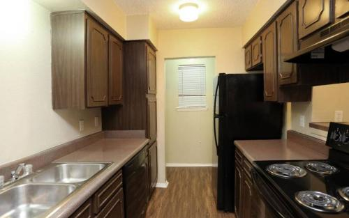 6120 Quail Wood Court #B2 Photo 1