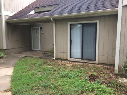 4101 5 Oaks Drive Photo 1