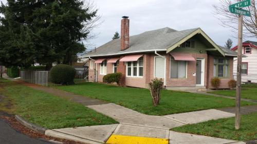 5946 S Thompson Avenue Photo 1