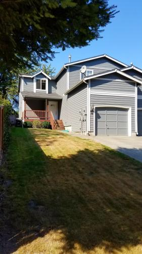 335 N 5th Ave SW #A Photo 1