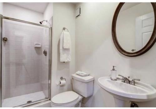 220 Renaissance Pkwy NE #2119 Photo 1