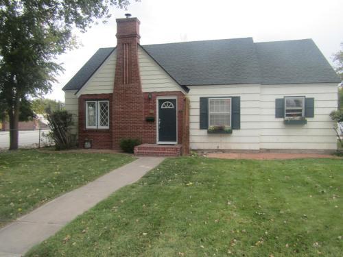 396 Richardson Avenue Photo 1